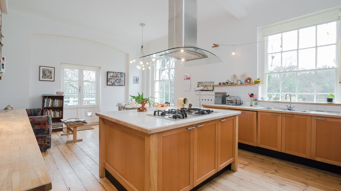 Soames The Glebe Blackheath SE3 Greenwich Seven Bedroom Large Fabulous House To Rent For Sale Garden Fireplace Countryside Old Building